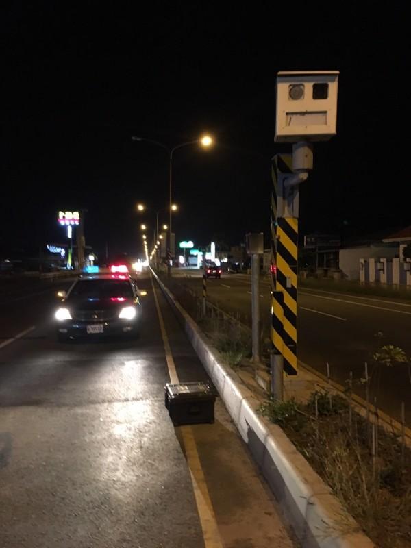 家住宜蘭縣的蔡姓男子駕著載有5個人的自小客車,行駛於國道上,沒想到回家後卻收到寫著「經雷達測定行速171公里,限速110公里,超速61公里」的超速罰單。示意圖,與新聞無關。(資料照,記者蔡宗憲攝)