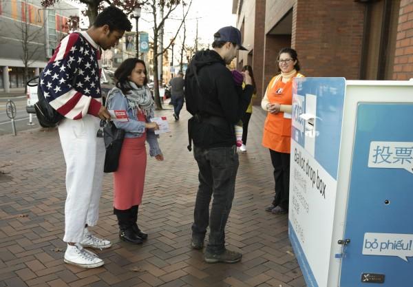 美國總統選戰目前正打得火熱,本屆選舉有15%美國民眾是首投族,遠高於2012年的9%。(法新社)