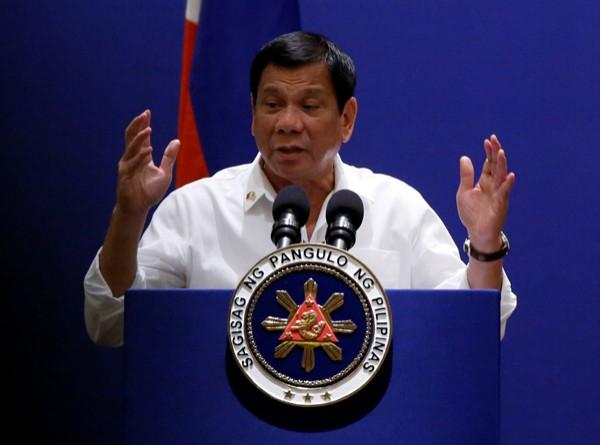 素有「東方川普」之稱的菲律賓總統杜特蒂表示,恭賀川普當選美國總統,並希望不與美方再起爭執。(路透)