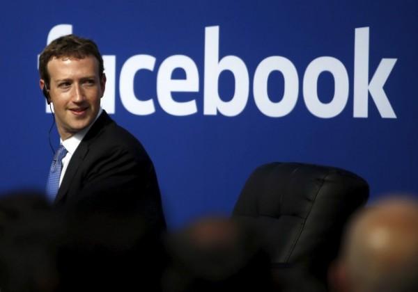 臉書創辦人祖克柏駁斥「假新聞影響選情」一說,引發內部員工不滿,祕密籌組打假團隊要「用證據說話」。(路透)