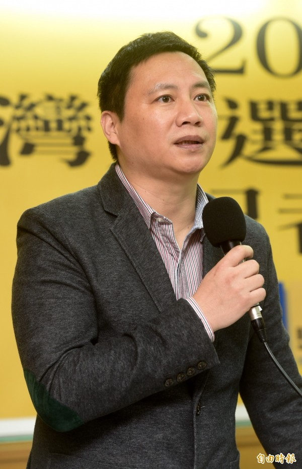 中國民運人士王丹痛批護家盟等反同團體比扯鈴還扯。(資料照,記者簡榮豐攝)