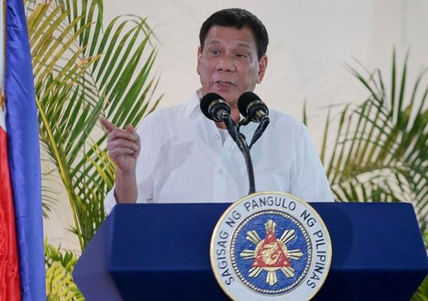 菲律賓總統杜特蒂17日表示,菲國可能追隨俄國腳步,也退出國際刑事法院。(法新社)