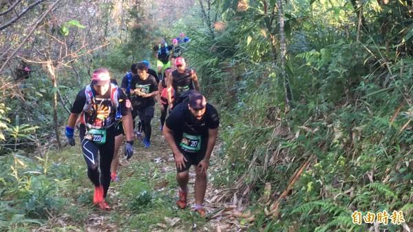 路線規劃有許陡坡與海拔落差,選手要具備更佳的體力、耐力及越野經驗。(記者佟振國攝)