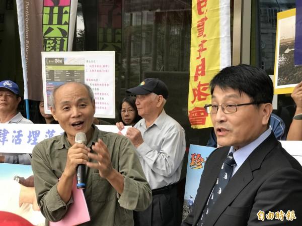 中油工業關係處處長黃仁弘(右)表示,國家交付的任務,中油要努力完成,地方上有抗爭,將努力溝通,但強調,中油還是得依法行政。(記者陳炳宏攝)
