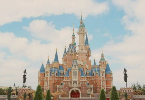 20個IG熱門打卡旅遊景點,迪士尼樂園就佔了4個。(圖/部落客茉莉提供)