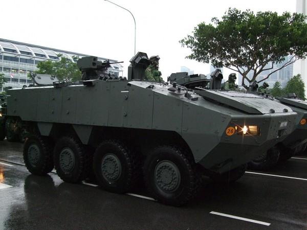 新加坡AV-81八輪甲車。(圖片擷取自「維基百科」)