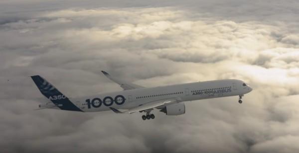 最大雙引擎客機 A350-1000首飛成功。(取自YouTube)