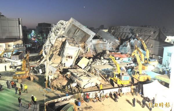 台南永康維冠大樓今年2月凌晨因強震倒塌,共造成115人死亡。(資料照,記者黃志源攝)