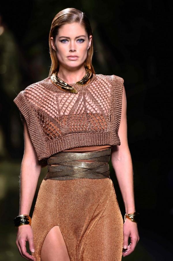 名列「全球最賺錢模特兒」第2名的荷蘭名模杜晨‧科洛斯(Doutzen Kroes),一年賺進800萬美金(約2億5千多萬台幣)。(法新社)