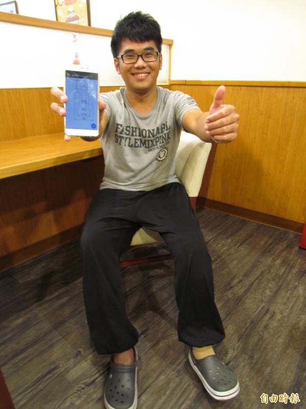 5年前因車禍不幸截肢的青年陳耀宗,學得第二專長後,不斷提升自己的能力,勇敢追夢(記者葉永騫攝)