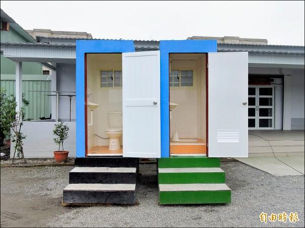 預鑄式活動廁所附有廢污水處理系統,業者也取得兩項專利。(記者張存薇攝)