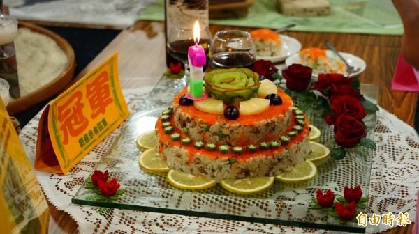 冠軍「米蛋糕」。(記者陳彥廷攝)