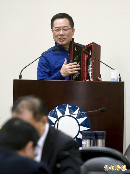 蔡正元在國民黨中常會報告訪美成果,其中提及美國對黨產問題的意見,遭美國在台協會打臉。(記者叢昌瑾攝)