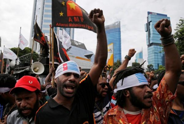 印尼穆斯林團體預定明(2日)在雅加達民族獨立紀念碑廣場發起集會行動,美國大使館呼籲公民避開示威。(路透)