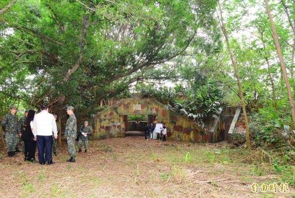 桃園平鎮首座「碉堡公園」將耗資2000萬元進行綠美化。(記者李容萍攝)