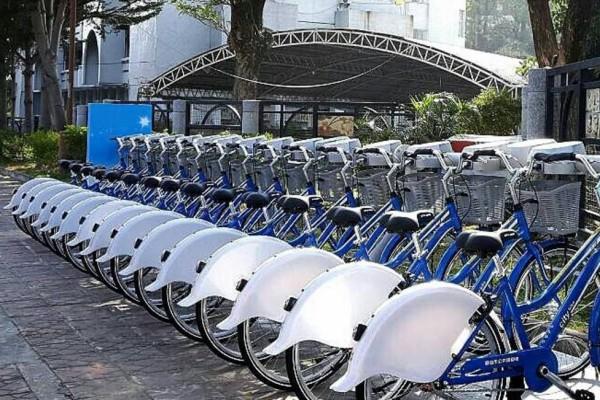 高雄市公共腳踏車目前因系統故障而全面暫停營運,環保局要民眾不必擔心卡片被誤扣金額。(本報資料照)