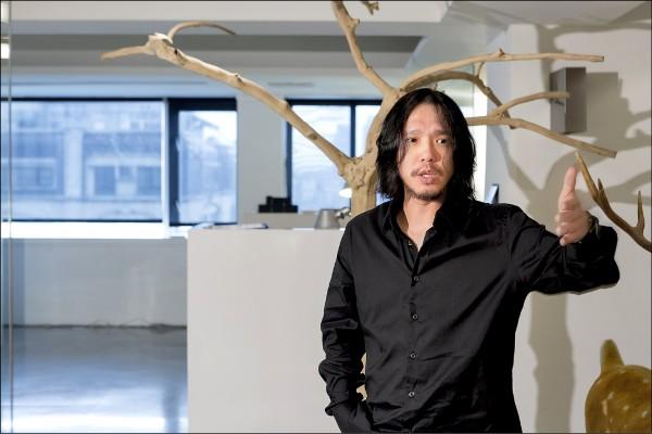 中原大學室內設計系碩士專班學生李中霖勇奪亞洲設計獎兩金一銅。 (中原大學提供)