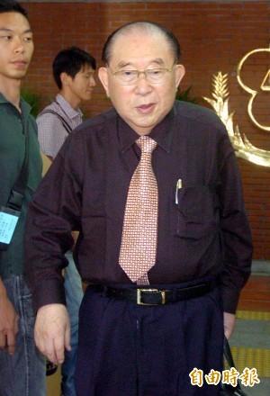 律師王可富指控,洪當時受捐款超過5千萬元,但貿然不選使相關支持者感到失望、憤怒,因此要求法官主持正義。(資料照,記者方賓照攝)