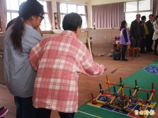 鹿野鄉老人日照中心提供中重度失能長輩日間照顧服務。(記者王秀亭攝)