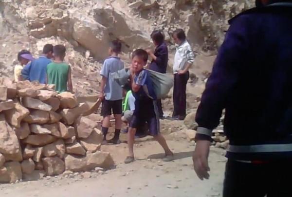 北韓的孩子活在悲慘世界。(圖取自鏡報)