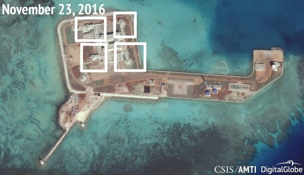 圖為「亞洲海事透明倡議」所發布的其中一張東門礁(Hughes Reef)的衛星照片。(路透)