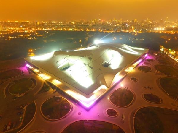 衛武營國家藝術文化中心明年起點亮園區,成為最耀眼的地景藝術。(衛武營提供)