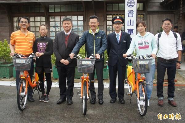 新竹市府啟用YouBike五個火車站的新站點,並大推雙鐵微旅行。(記者洪美秀攝)