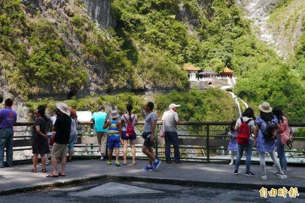 揚名國際的太魯閣峽谷,是中客團必遊景點之一。(記者王峻祺攝)