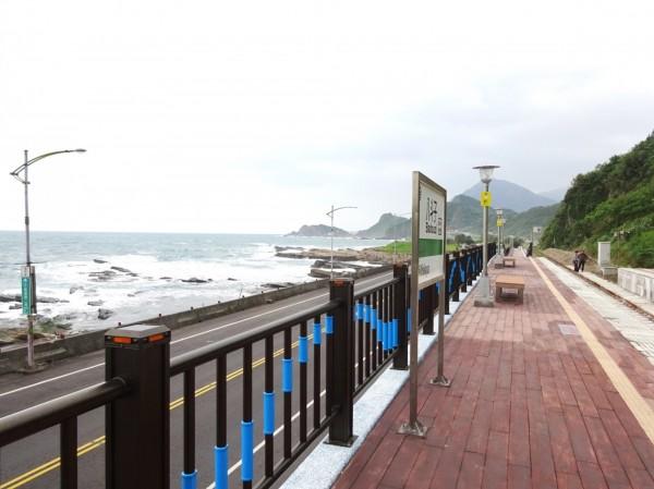 八斗子站以海與浪為意象進行建造(台鐵局提供)