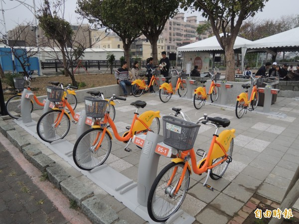 新竹市微笑單車完成30個站點,今天啟用最後完成的4個站點,更以信仰中心天公壇為站名。(記者洪美秀攝)