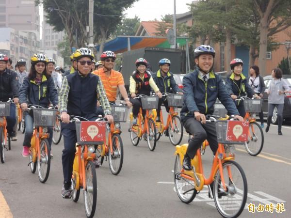 新竹市長林智堅說明年還會繼續增設15個站點。(記者洪美秀攝)