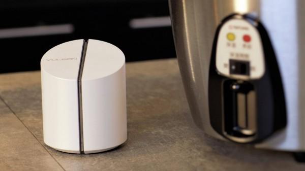 台科大生研發「Vulcan」智慧溫控插座,能依照食譜控制電鍋的溫度及加熱時間。(台科大提供)
