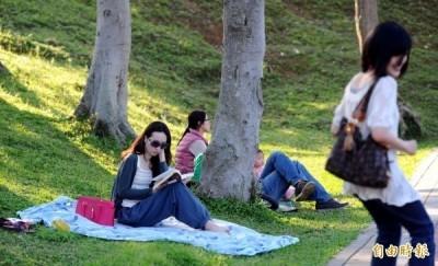 彭啟明表示,今年元旦假期全台各地多為晴朗的好天氣,建議民眾把握機會外出踏青。(資料照,記者張嘉明攝)