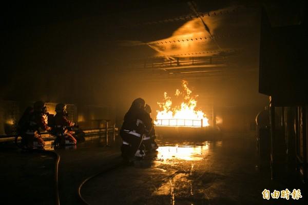 未來人民的土地、建物、車輛或其他物品,若因消防人員在火災搶救過程中造成損失,可申請補償。(本報資料照)