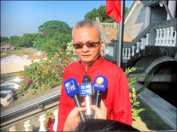 採訪魏明仁的中國記者陣仗多過台灣記者。 (記者顏宏駿攝)