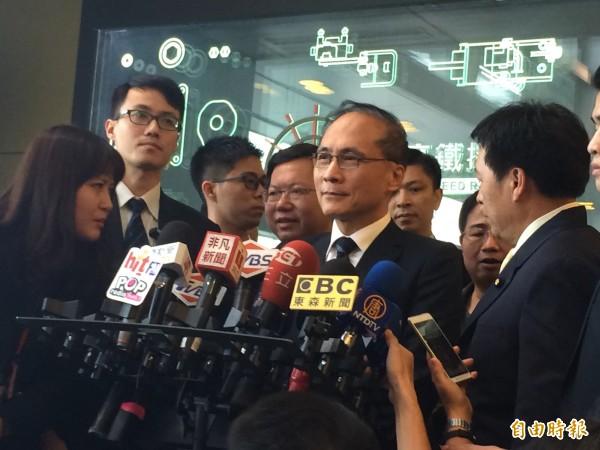 行政院長林全表示,企業趁機漲價,卻未將應有的獲利回饋給勞工,都不應該被接受。(記者李容萍攝)