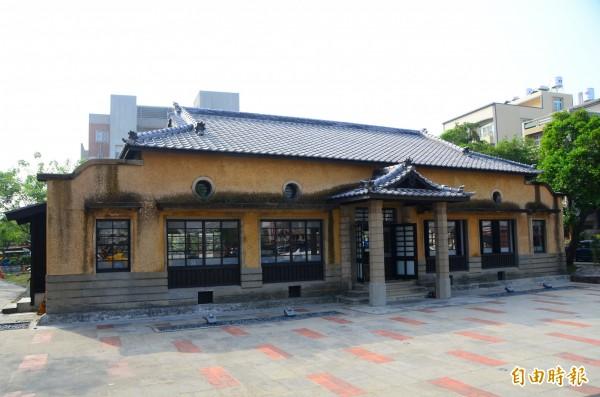 列為歷史建築的新化武德殿,是大目降文化園區的重要地標。(記者吳俊鋒攝)
