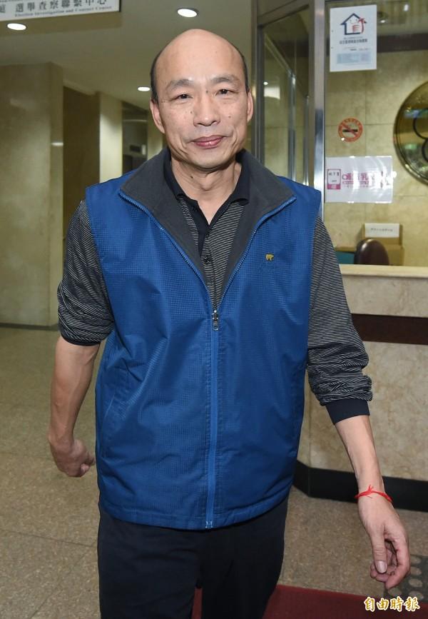 台北農產公司總經理韓國瑜10日為菜蟲案到台北地檢署接受檢察官訊問,訊後請回。(記者廖振輝攝)