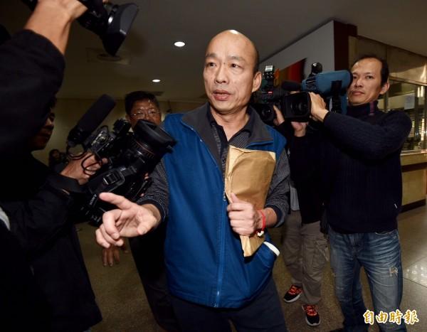 台北地檢署查緝「菜蟲」囤積商品、哄抬物價一案,今天下午再約談總經理韓國瑜。(記者羅沛德攝)