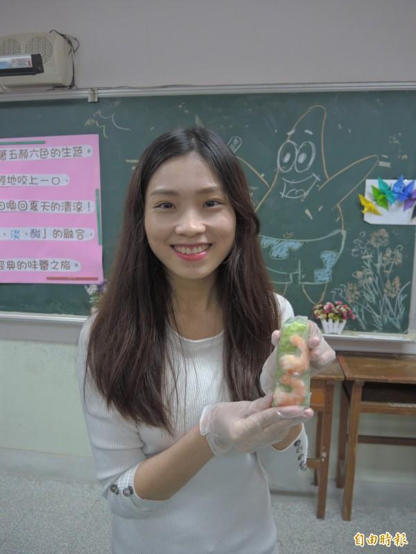 阮秋姮被學生譽為「越南周子瑜」。(記者翁聿煌攝)