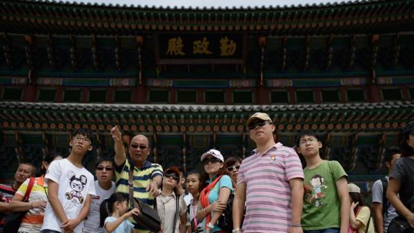 去年後4個月,中國遊客訪韓超過380萬人次,同比增長27%。(法新社資料照)