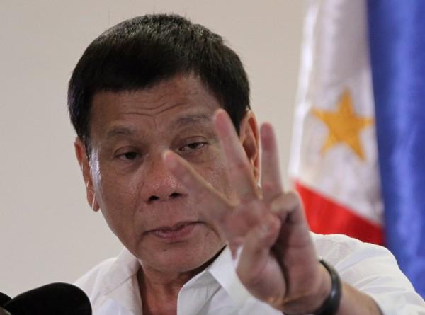 菲律賓總統杜特蒂表示,若毒品持續氾濫,他將宣布戒嚴。(路透)