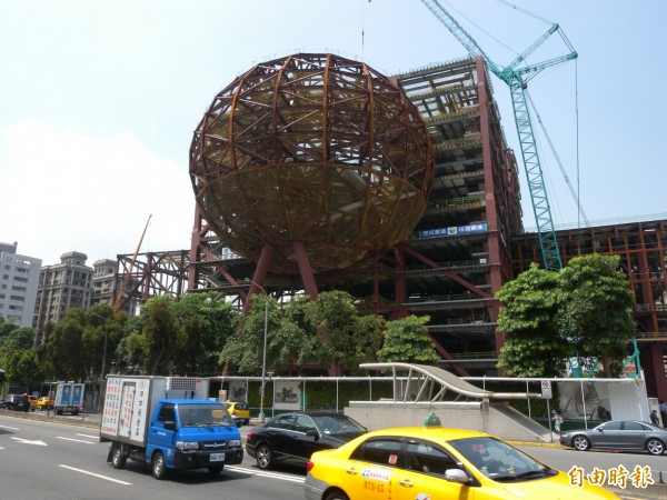 台北藝術中心因承包商宣布倒閉而停工,有媒體報導指出,台北市長柯文哲日前下令,絕不能讓北藝中心成為大巨蛋第二。(資料照,記者吳亮儀攝)