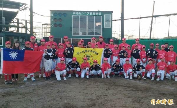 安慶國小棒球隊自去年起與日本東京東村山聯盟進行比賽交流。(安慶國小提供)