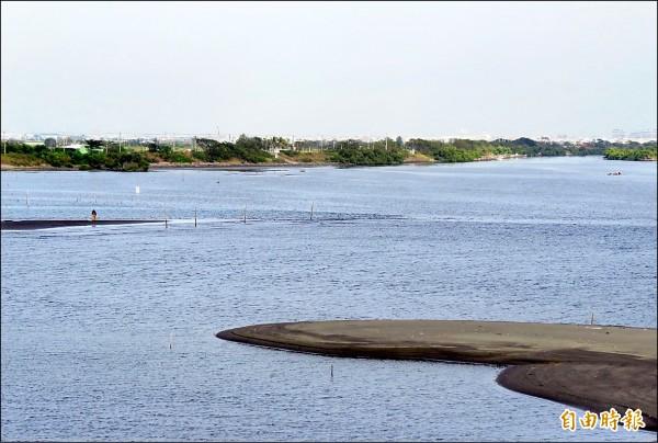 鹽水溪嚴重污染比率,去年已減到個位數,僅剩4.3%。(記者蔡文居攝)