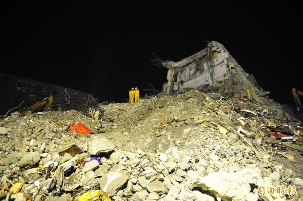 市府震災復原重建小組匡列46項計畫,核定23億1,639萬8,588元補助金費。(記者王捷攝)