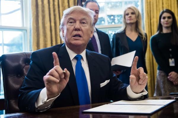 川普將在明日簽署一系列打擊非法移民的行政命令。(法新社)