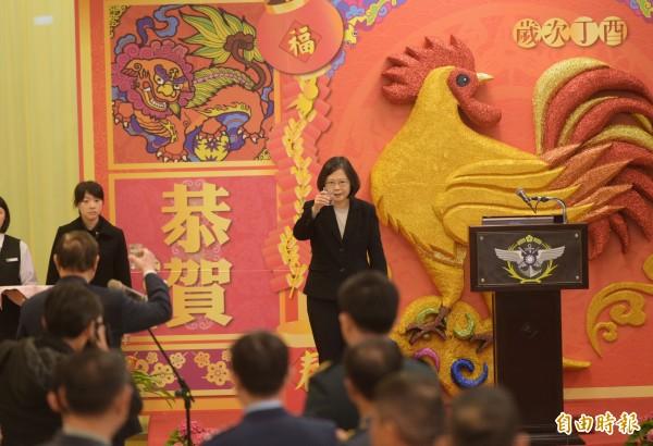 總統蔡英文將於大年初一(28日)回屏東老家發送紅包。(資料照,記者張嘉明攝)