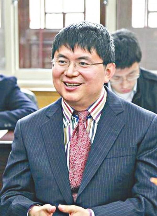 中國富豪肖建華傳出因涉及中共高層貪腐遭到逮捕,被關押在北京,消息因家人報警曝光。(翻攝自《博聞社》)
