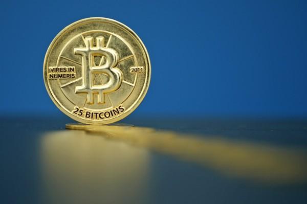 國內券商驚傳遭到駭客DDOS攻擊,還向券商勒索比特幣。刑事局已進行了解是否有其他業者受害。(路透)